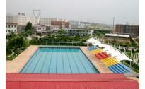学校游泳池