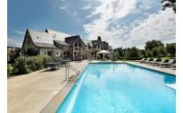 别墅庭院游泳池